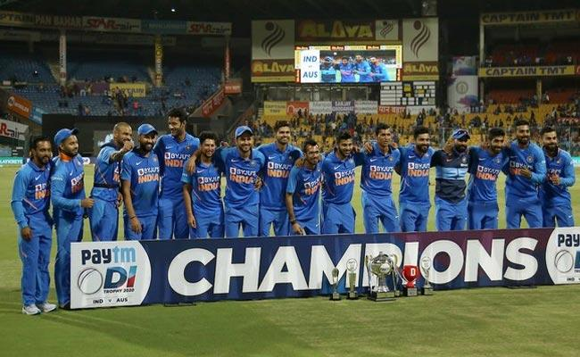 India Beat Australia By Seven Wickets In Third ODI - Sakshi