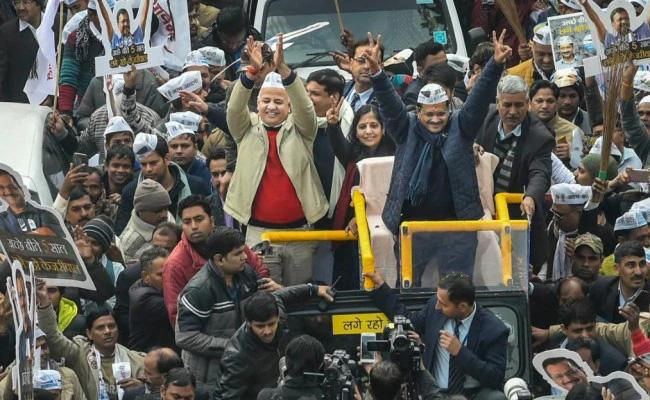 Arvind Kejriwal Fails To Reach ECI Office On time Due To Roadshow File Nomination Tomorrow - Sakshi