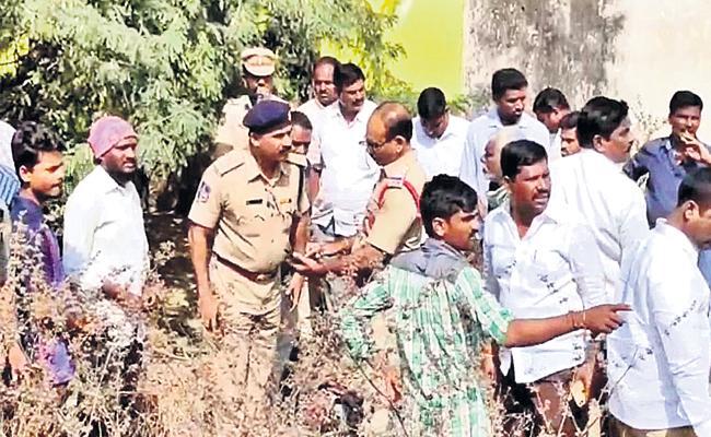 Molestation on Girl Child in Parigi Rangareddy - Sakshi
