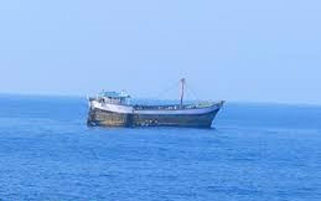 19 Indians kidnapped by pirates near Nigerian coast released - Sakshi