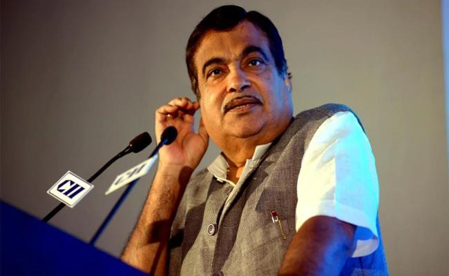 Government Lacks Courage To Take Decisions Says By Nitin Gadkari - Sakshi
