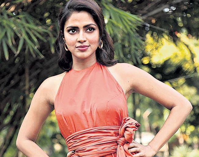 Amala Paul To Play Role Parveen Babi In Web Series - Sakshi