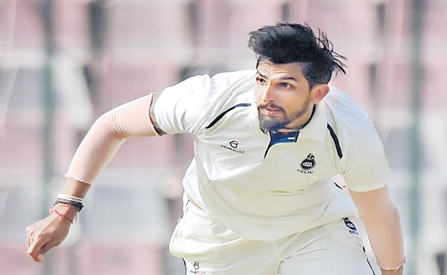 Ishant Sharma Suffers With Ankle Injury In Ranji Trophy Game - Sakshi