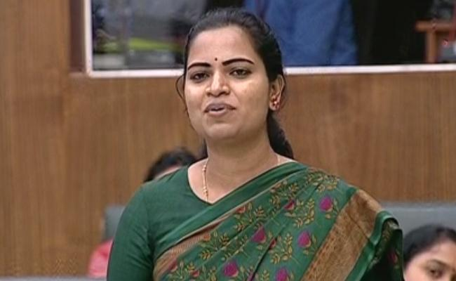 Vidadala Rajini Praises Amma Vodi Scheme in Assembly - Sakshi