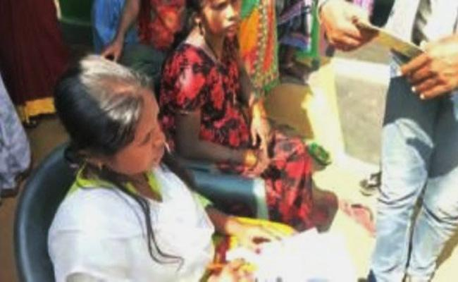 Officials Stops Child Marriage in Odisa - Sakshi