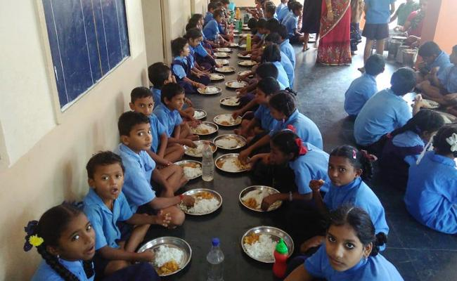 Midday meal new Starts From Today West Godavari - Sakshi