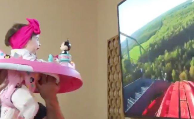 Father Gives Toddler Fake Roller Coaster Ride Wins Netizens Hearts - Sakshi