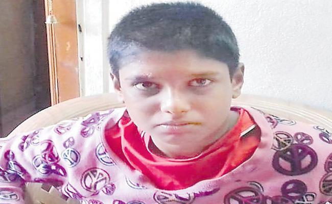 Teacher Beats Up Student By Iron Scale At Kushaiguda Hyderabad - Sakshi
