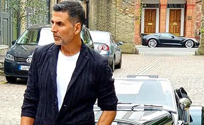 Akshay Kumar Sources Demands More Than Rs.100 Crore For His New Movie - Sakshi