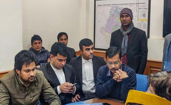 Kejriwal To Fight For New Delhi Seat With Cab Driver And Chak De Star - Sakshi