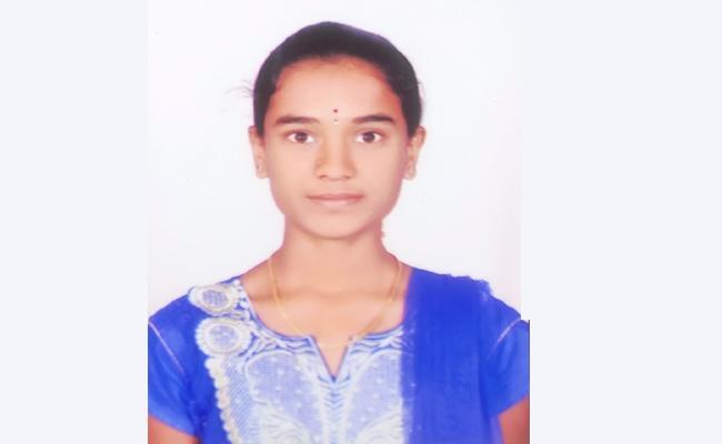 Inter Student Laxmi Suspicious Death in Karnataka - Sakshi