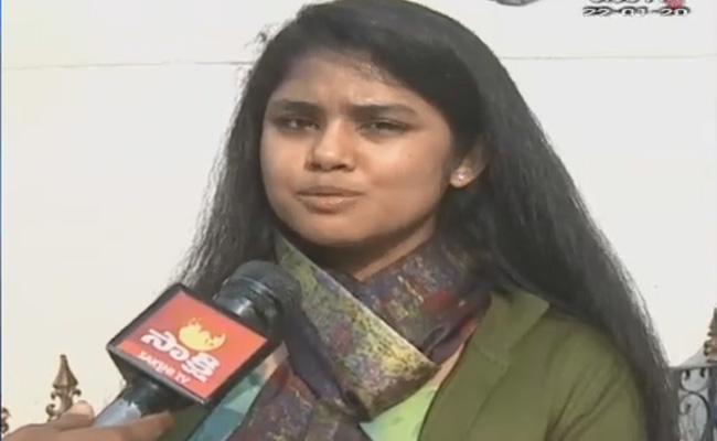Sanchita Gajapathi Raju Welcomes Three Capitals - Sakshi