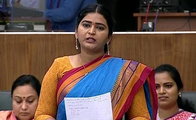 YSRCP MLA Jonnalagadda Padmavati Comments on CM jagan - Sakshi