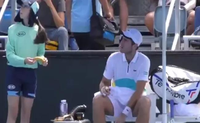Elliot Told Off For Asking Ball Girl To Peel His Banana - Sakshi