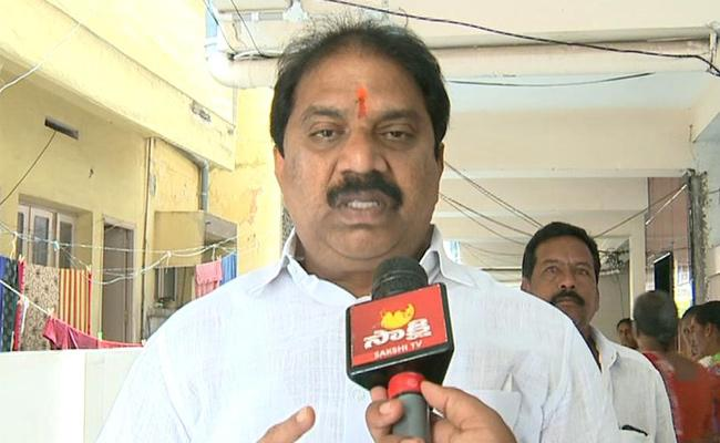 Malladi Vishnu Criticises Legislative Council Chairman Sharif In Vijayawada - Sakshi