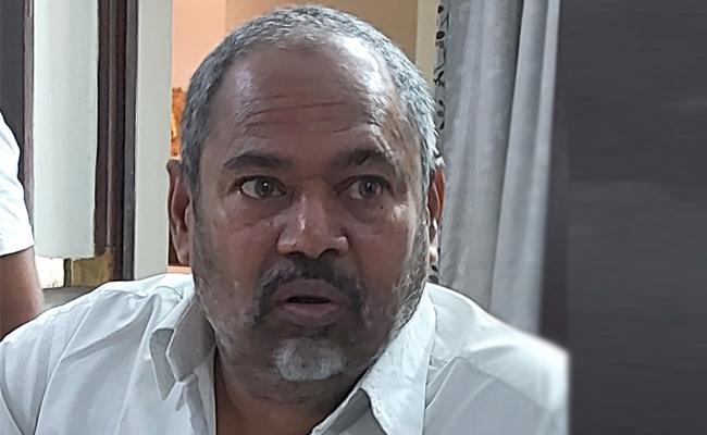 R Narayana Murthy Talks In College Programme In East Godavari - Sakshi