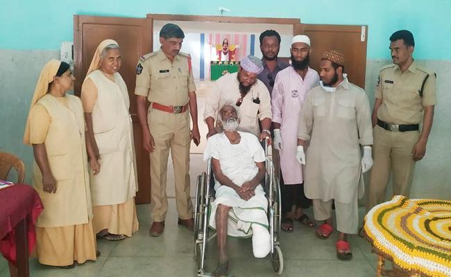 Shankaraiah Operation Success And Join Old Age Home Anantapur - Sakshi