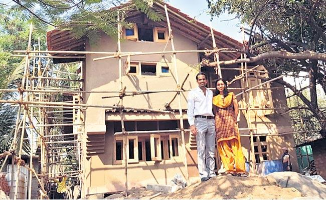 Software Engineers In Mangalore Built A House With Clay - Sakshi