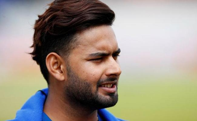 Irfan Pathan Suggests New Role For Rishabh Pant - Sakshi