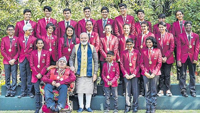 PM Modi meets Pradhan Mantri Rashtriiya Bal Puraskar 2020 awardees - Sakshi