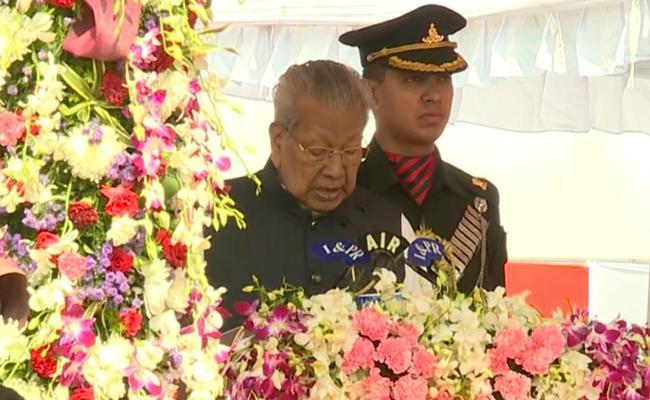 Ap Governor Biswabhusan Harichandan Speech In Republic Celebration - Sakshi
