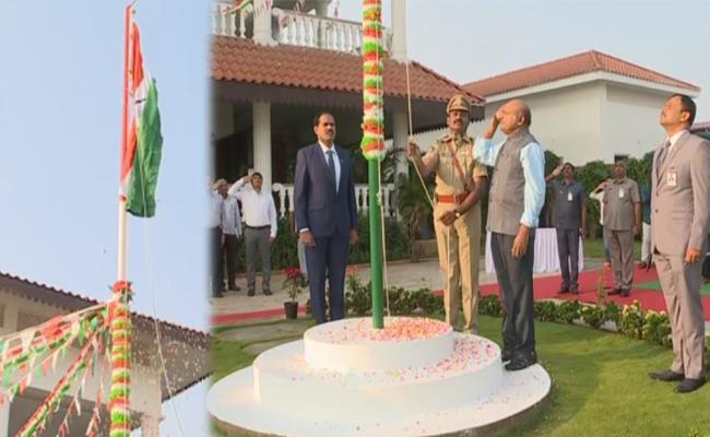 Republic Day 2020: Neelam Sahani hoists tricolour at AP Secretariat - Sakshi