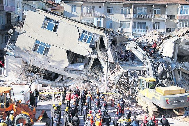 Death toll rises to 22 in eastern Turkey earthquake - Sakshi