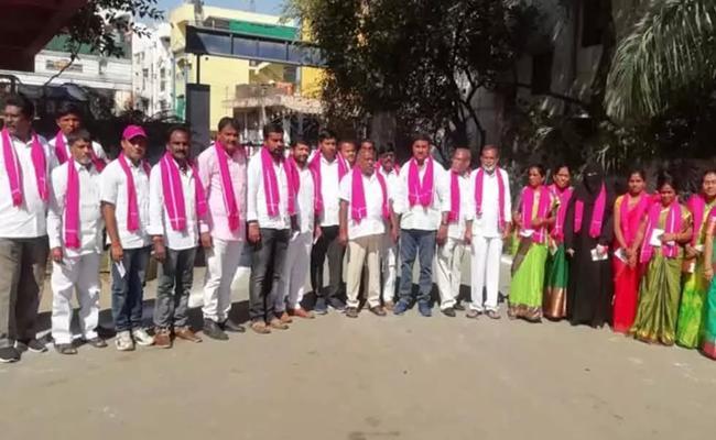 TRS Won Khanapuram Municiapality - Sakshi