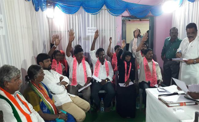 TRS Strategies Workout In Jogulamba Gadwal Municipal Elections - Sakshi