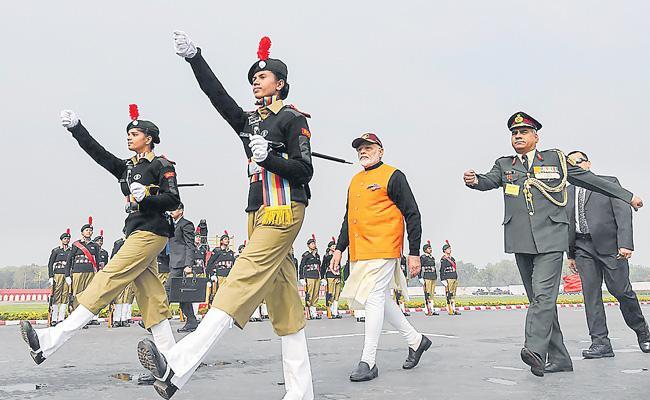 PM Narendra Modi Comments On Pakistan - Sakshi