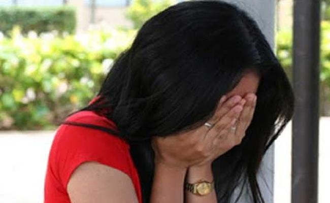 Man Attack And Threats to Married Woman in Hyderabad - Sakshi