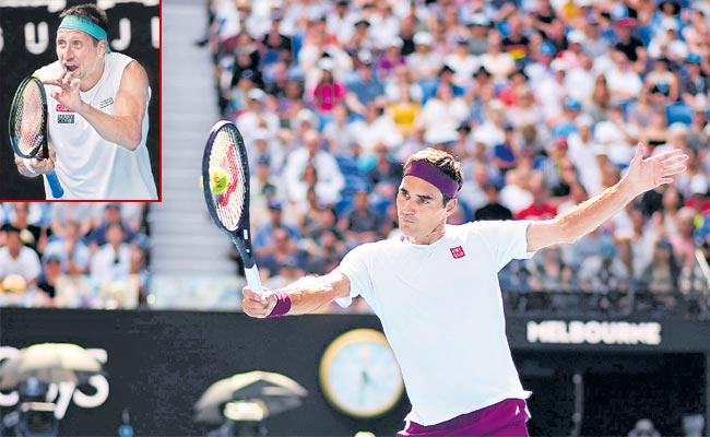 15th Australian Open: Roger Federer Advances to Semi Final - Sakshi