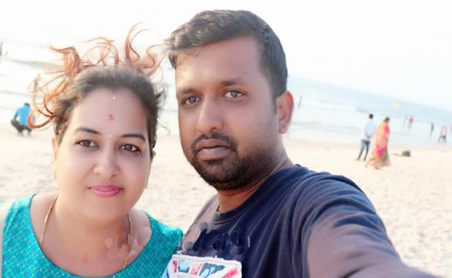Wife Killed Second Husband in Karnataka For Money And jewellery - Sakshi