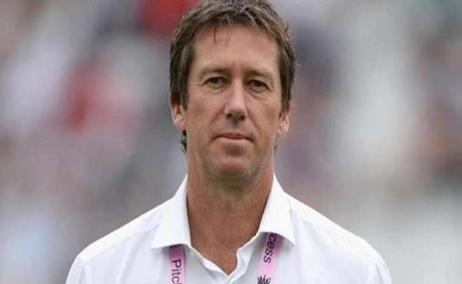 Glenn McGrath In Favour Of Traditional Five Day Tests - Sakshi