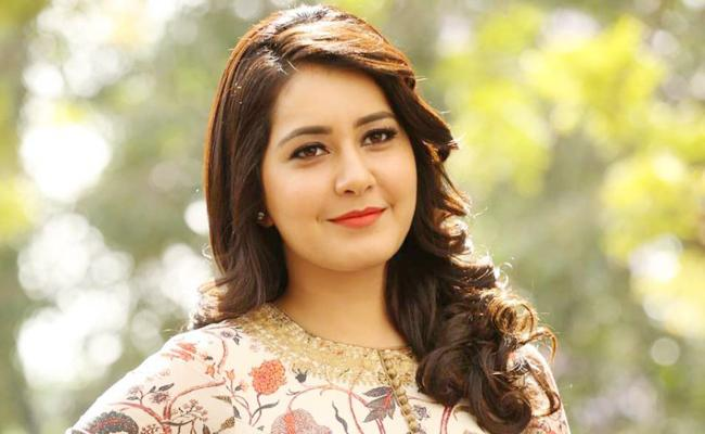 Raashi Khanna Comments on New Year Resolution - Sakshi