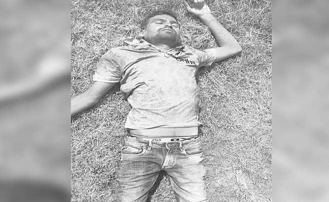 Man Commits Suicide Over Parents Did Not Give Money For Business - Sakshi