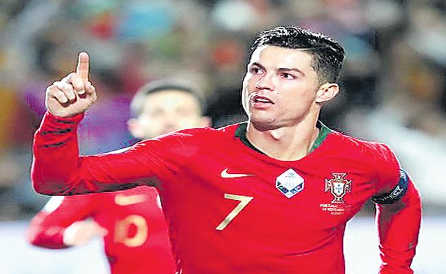 20 Crore Followers For Cristiano Ronaldo In Social Media - Sakshi