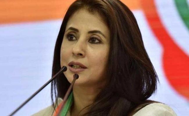 Urmila Matondkar Compare CA With Rowlatt Act - Sakshi