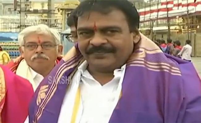 JanaSena MLA Rapaka VaraPrasad Rao Supports Three Capitals  - Sakshi