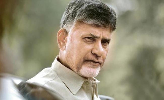Yellow Media Supports Chandrababu Over Farmer Died Of Heart Attack - Sakshi