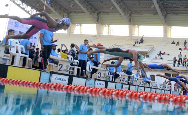Telangana Swimmers Got 9 Medals In South Zone Junior Aquatics Championships - Sakshi