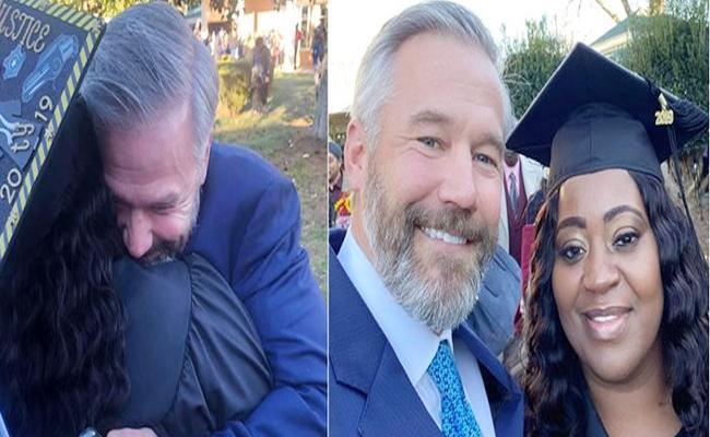 Man Pays Off Uber Woman Driver College Debt - Sakshi