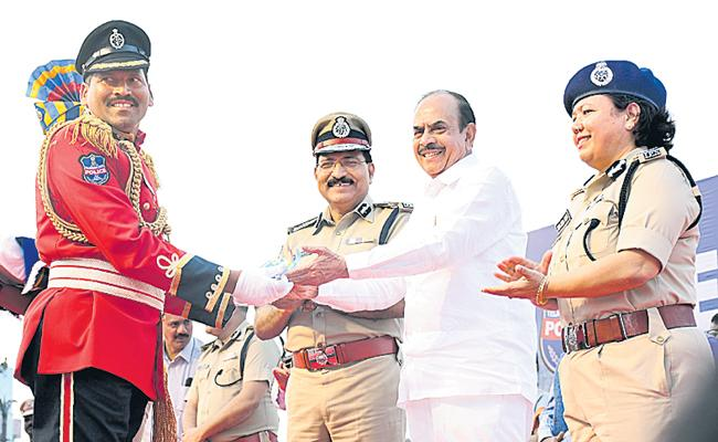 Telangana Police is the best in the country - Sakshi