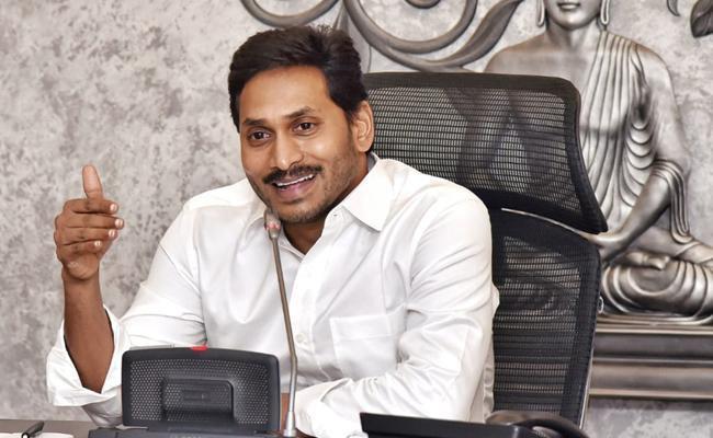 Amaravati Jac Leader Neelakanta Reddy Fire On TDP Over Capital Issue - Sakshi