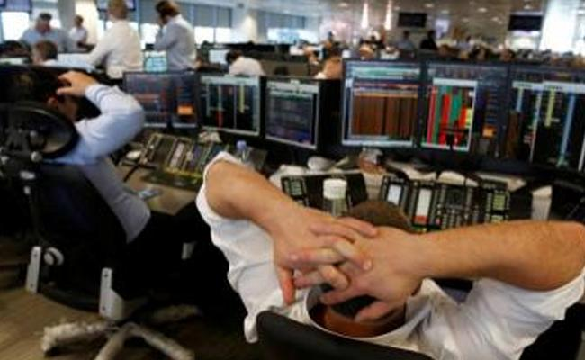 Sensex crashes 800 pts - Sakshi