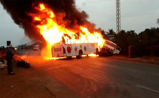 Tourist Bus Fired in Road Accident Srikakulam - Sakshi
