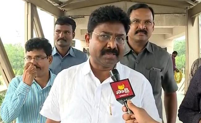 AP Minister Adimulapu Suresh Condemns Attack On Pinnelli Ramakrishna Reddy - Sakshi
