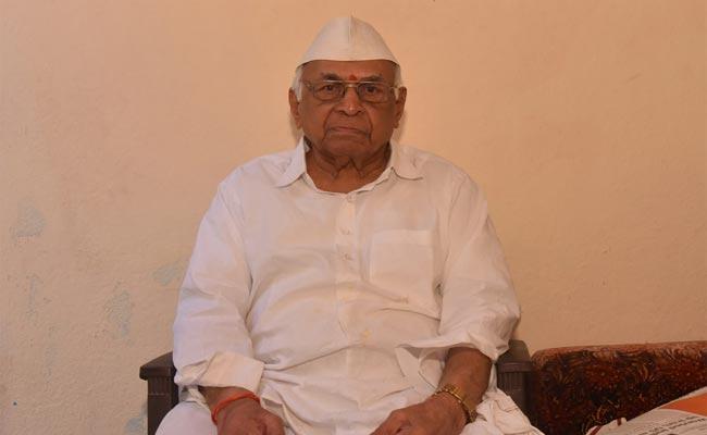 Sakshi Interview With Bhensa Former Municipal Chairman In Adilabad