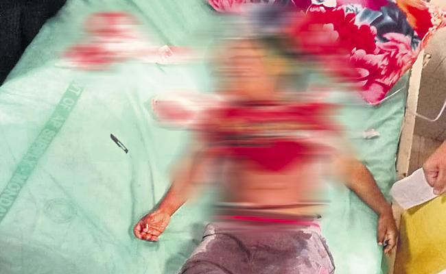 Three Years Old Boy Dead with Kite Manja thread in Guntur - Sakshi