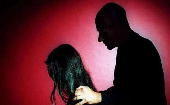 Step Father Molestation on Daughter in Badvel YSR Kadapa - Sakshi